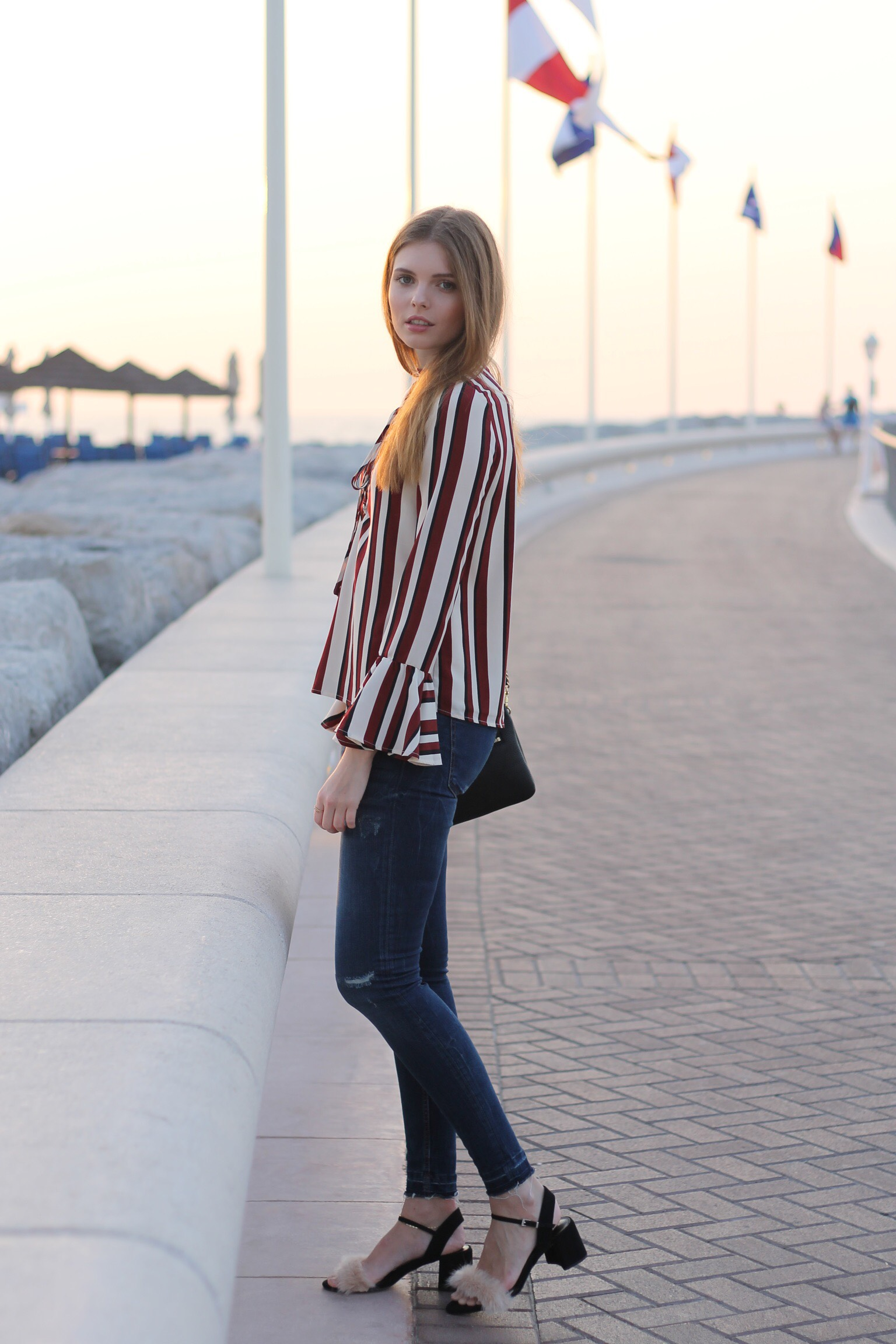 file4kopie - STRIPED BLOUSE OUTFIT IN DUBAI