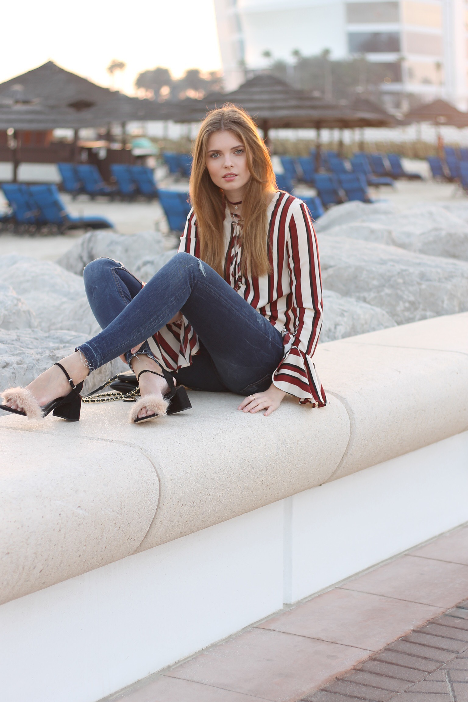 file81 - STRIPED BLOUSE OUTFIT IN DUBAI